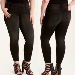 Torrid Mid Rise Stretch Black Skinny Jeans Size 24